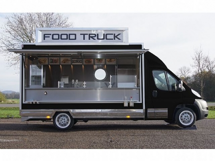 In University Food Truck Business Looking for Investment in Jaipur