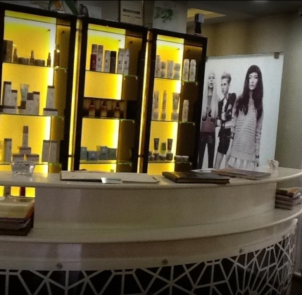 Branded Unisex Salon Franchise for Resale in Kodambakkam, Chennai