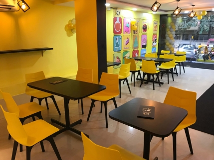Unique Icecream Parlour Business for Sale in Bangalore