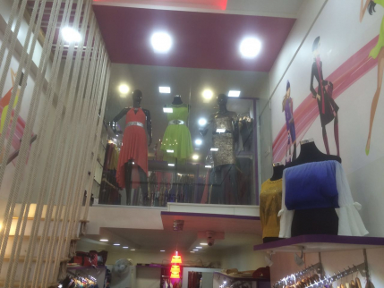 Profitable Women's Garment Showroom for Sale in Pune