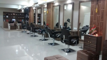 Luxury Salon for Sale in Haridwar