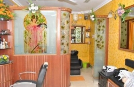 Ladies Salon and Spa for Sale in Kalyanagar, Bangalore
