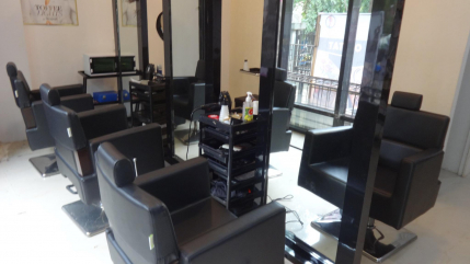 Established Unisex Salon for Sale in Mulund, Mumbai